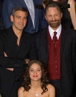 ¿Cuánto mide George Clooney? - Altura - Real height - Página 4 Viggo-nominado