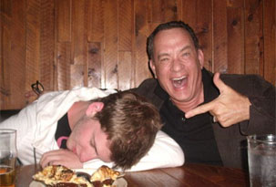 Sacate una foto con Tom Hanks borracho